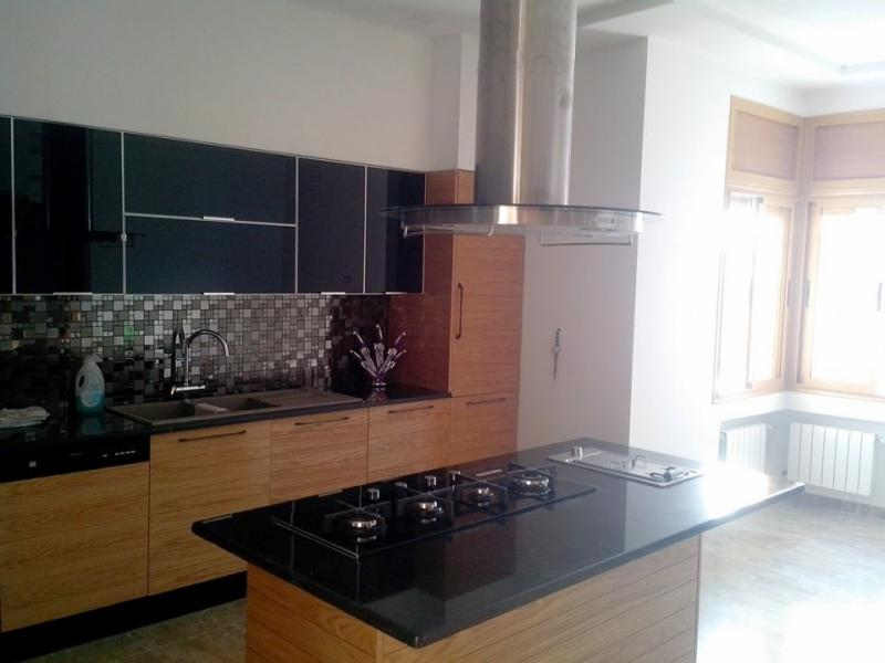 cuisine noir et chene gb28 jornalagora. Black Bedroom Furniture Sets. Home Design Ideas