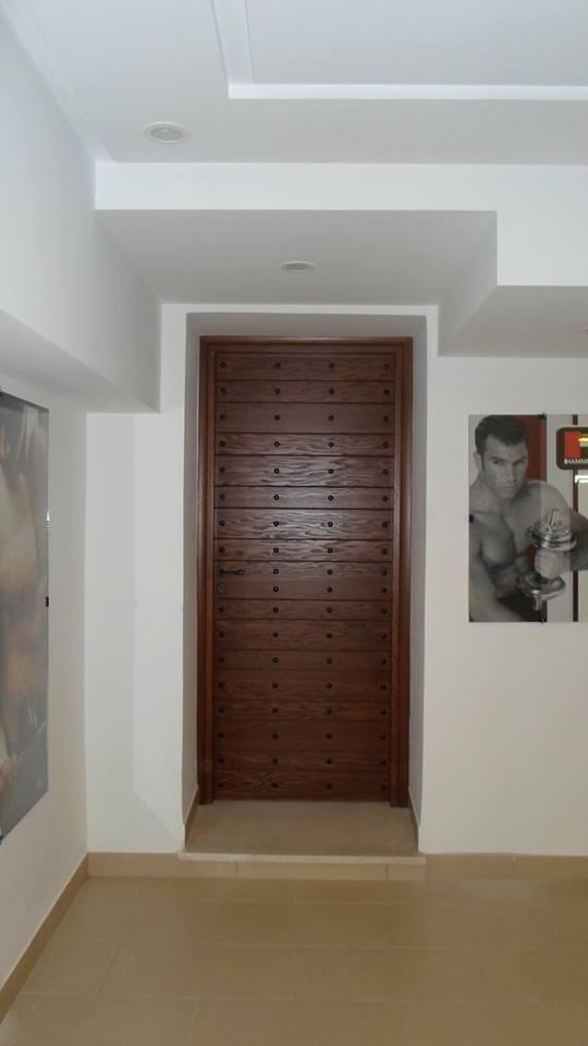 Porte d 39 entr e haute s curit for Norme porte interieur
