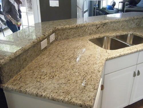 granite jaune topaze disponible chez italia marbre et granite italia marbre et granite adresse route - Marbre Galaxy Cuisine