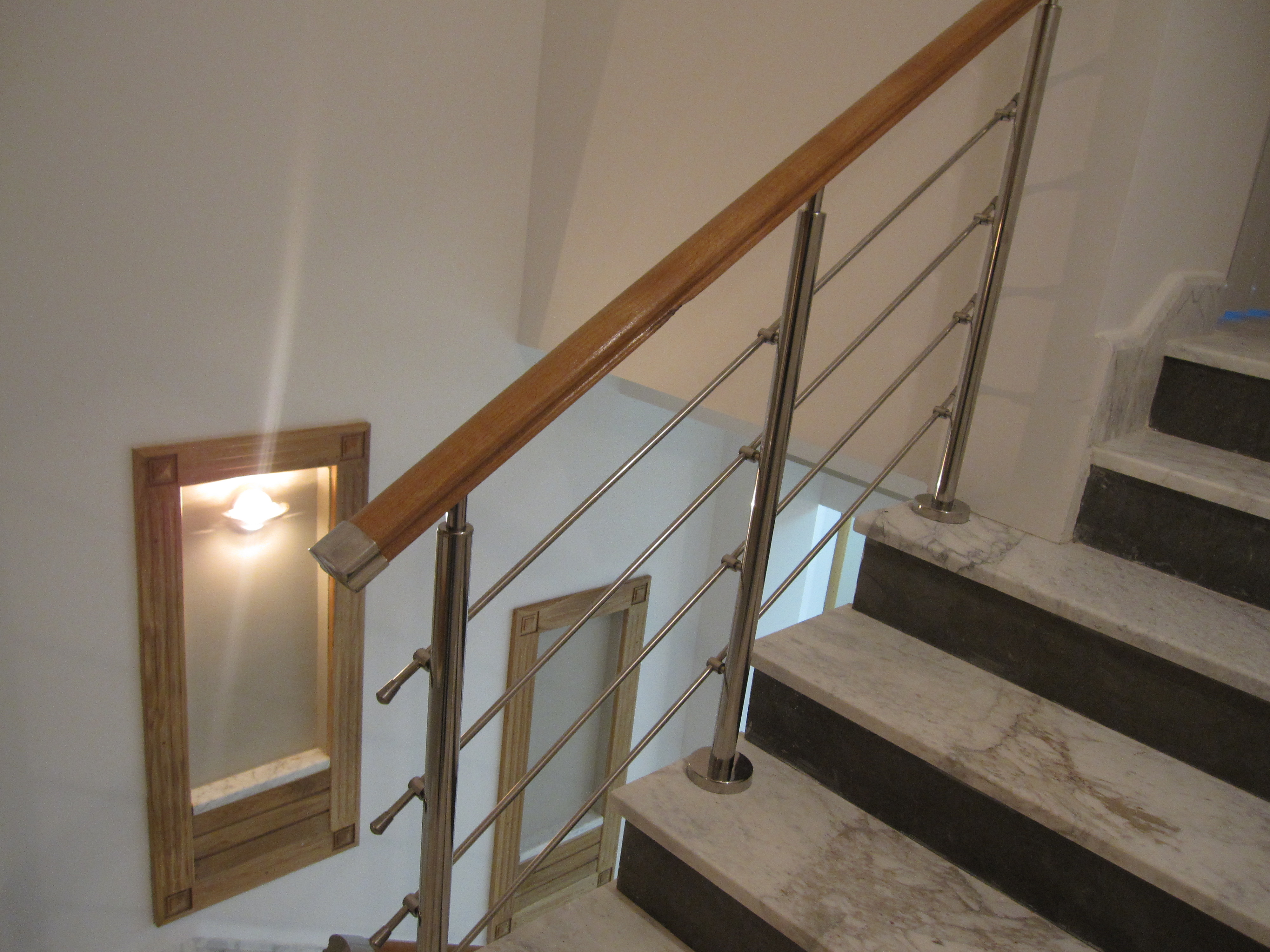 rampe d 39 escalier en inox. Black Bedroom Furniture Sets. Home Design Ideas