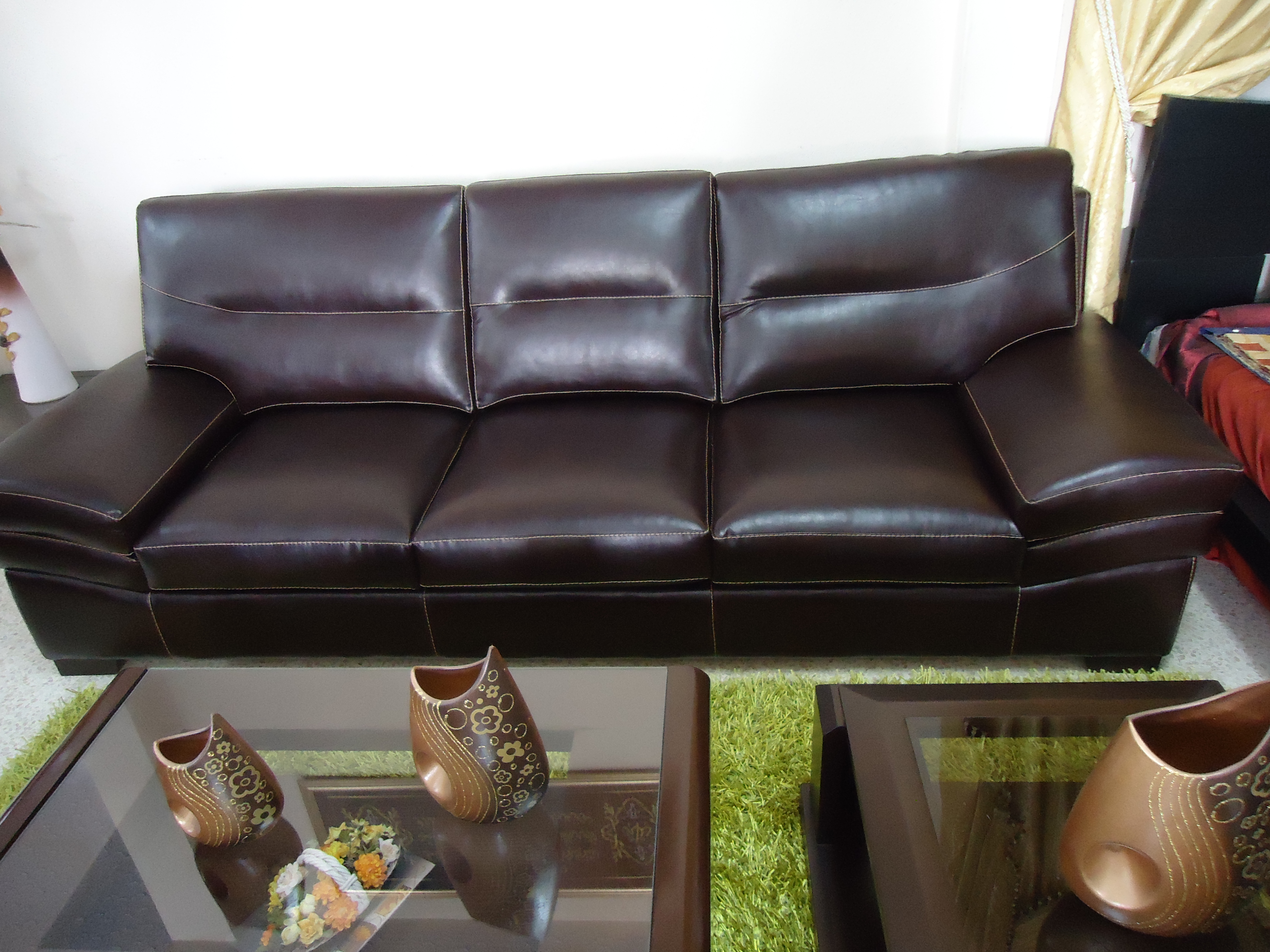 salon simili cuir tunisie images. Black Bedroom Furniture Sets. Home Design Ideas